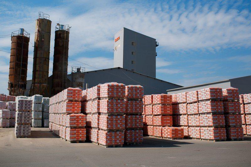 Петербургского производителя сухих смесей поглощает европейский гигант
