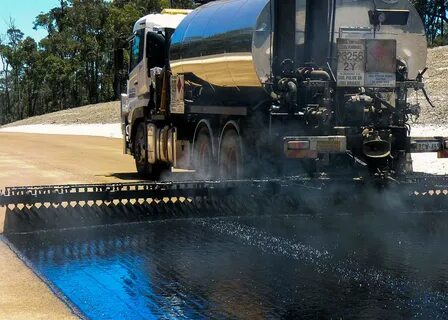 Для развития автодорог РФ потребуется 15,5 млн тонн битума до 2024 года